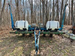 Kinze 2000 6 Row Planter