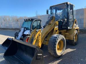 Cat 906 pay loader hours unknown