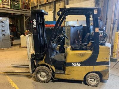 Yale propane fork truck showing 10283 hours