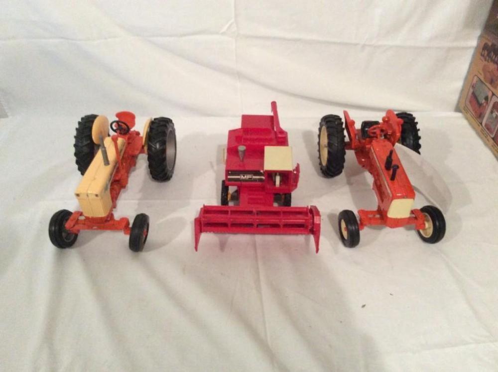 Ertl Case 800 Diesel tractor (1:16 scale), Ertl Allis-Chalmers D19