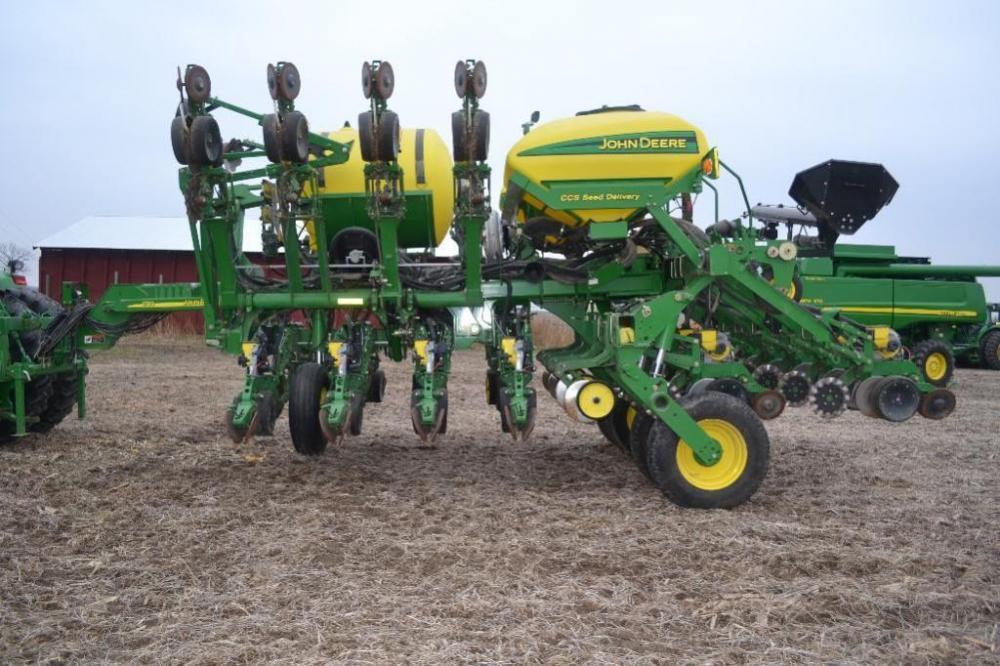 2008 John Deere 1790 Planter