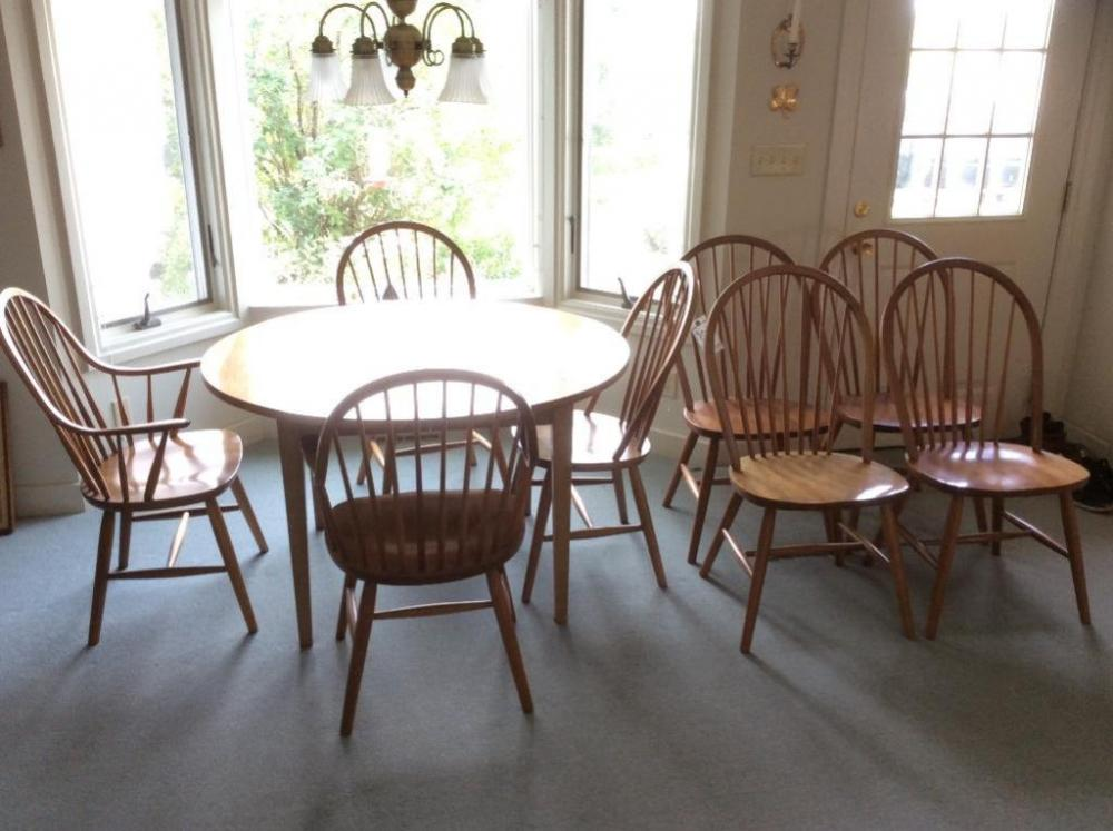 Round Dining Table With Chairs Leaves - Round dining table with 2 leaves