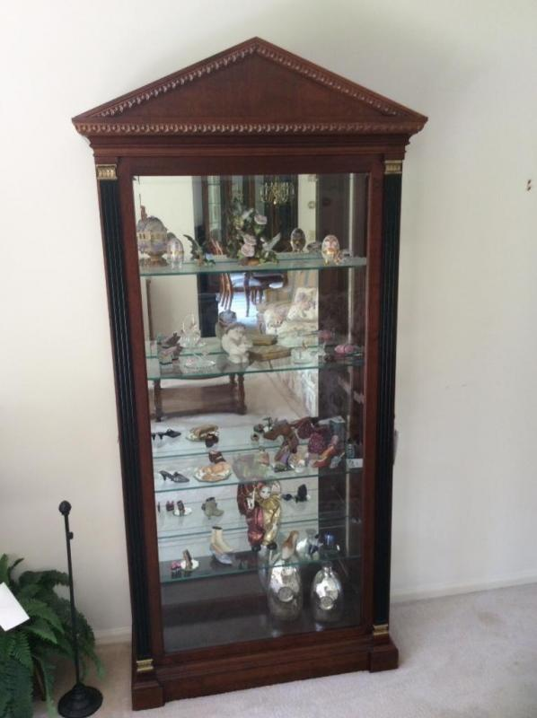 Lot 122 Of 199: Large Curio Cabinet, Glass Shelves, Mirrored Back, Lighted