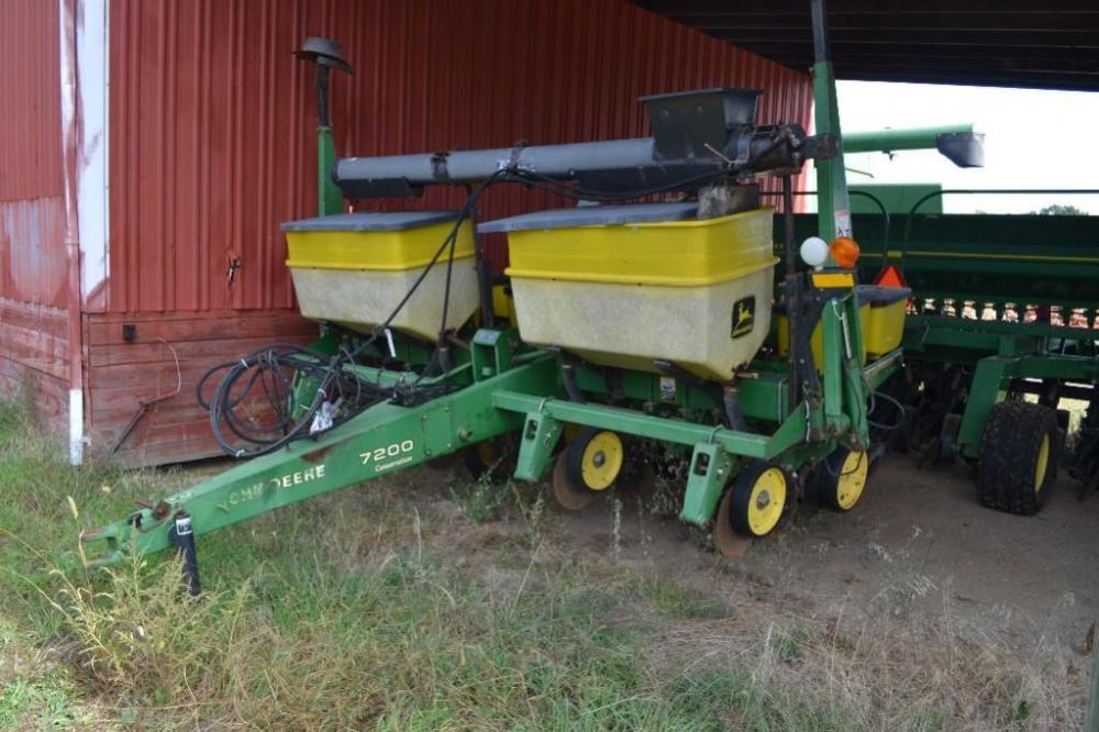 John Deere 7200 4 Row Planter 36 Rows
