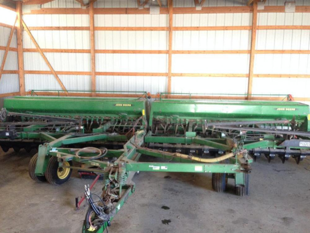 Tandem John Deere 750 Drills with Houck Hitch
