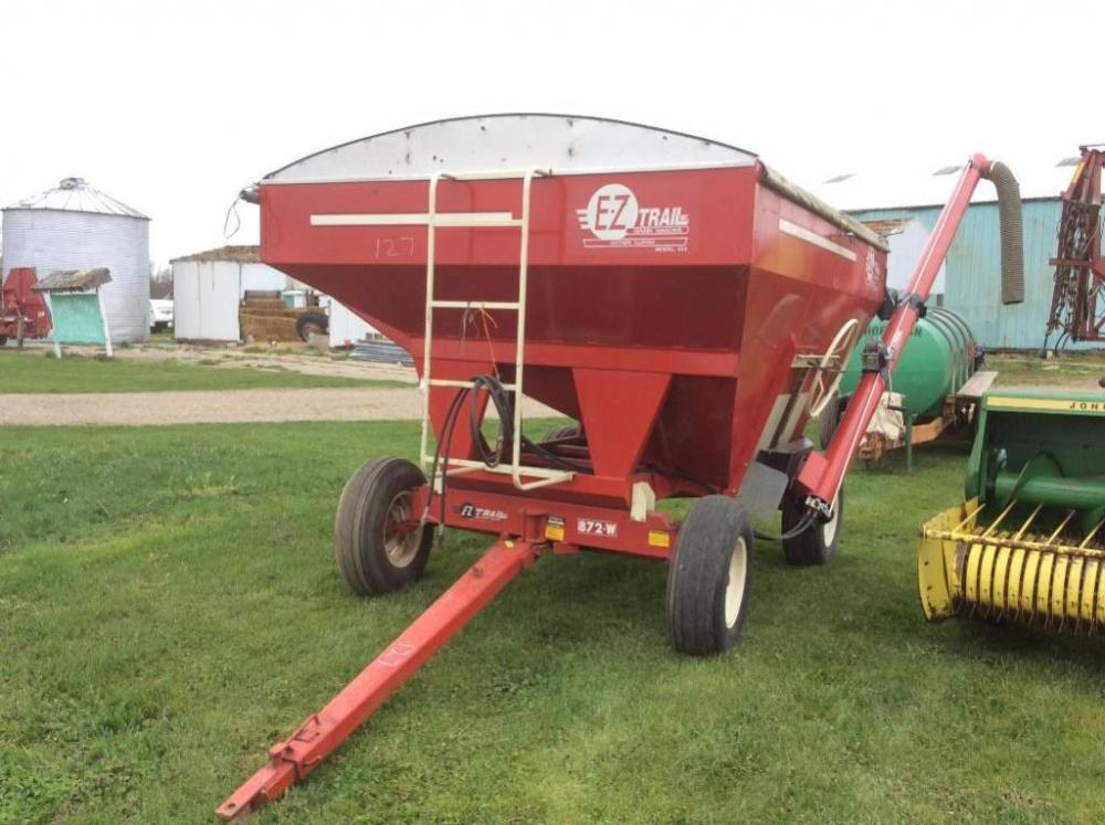EZ Trail Gravity Wagon with Auger and Roll Over Tarp