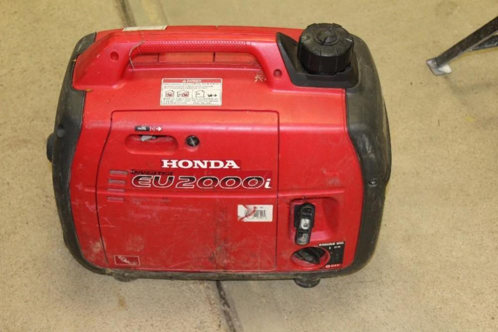Lot 172 Of 367: Honda 2000 Watt Suitcase Generator