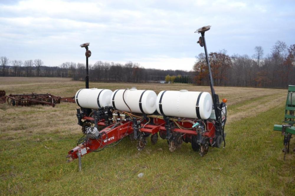 White 6100 6 Row Corn Planter 30 Inch Rows