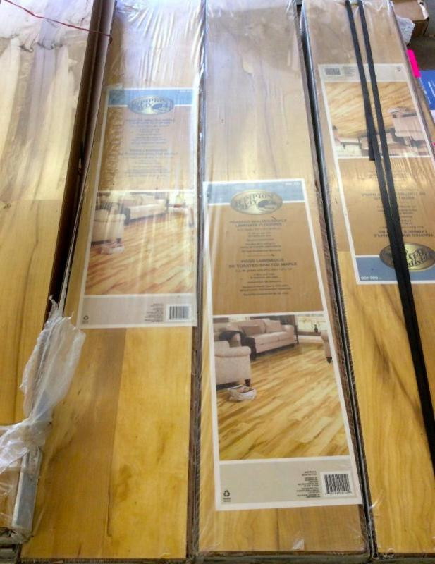 Approx 420 Sq Ft Toasted Spalted Maple Laminate Flooring