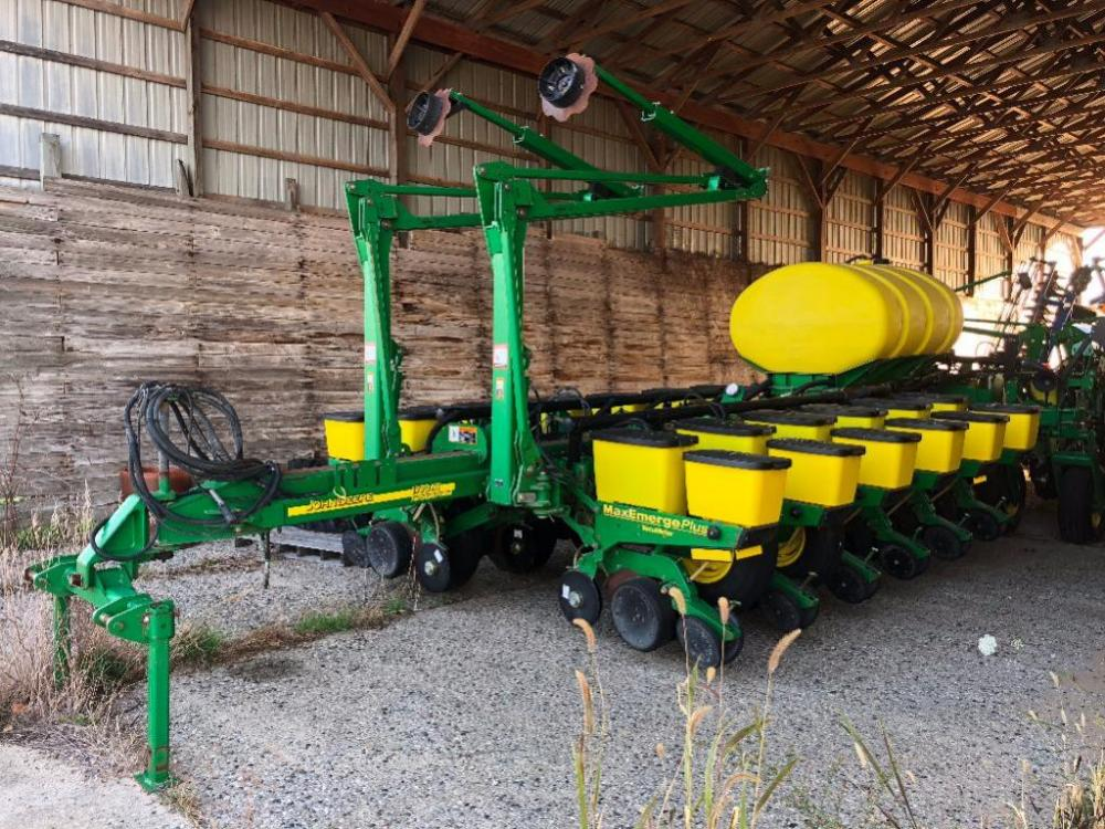 2002 John Deere 1770 16 Row Corn Planter 30