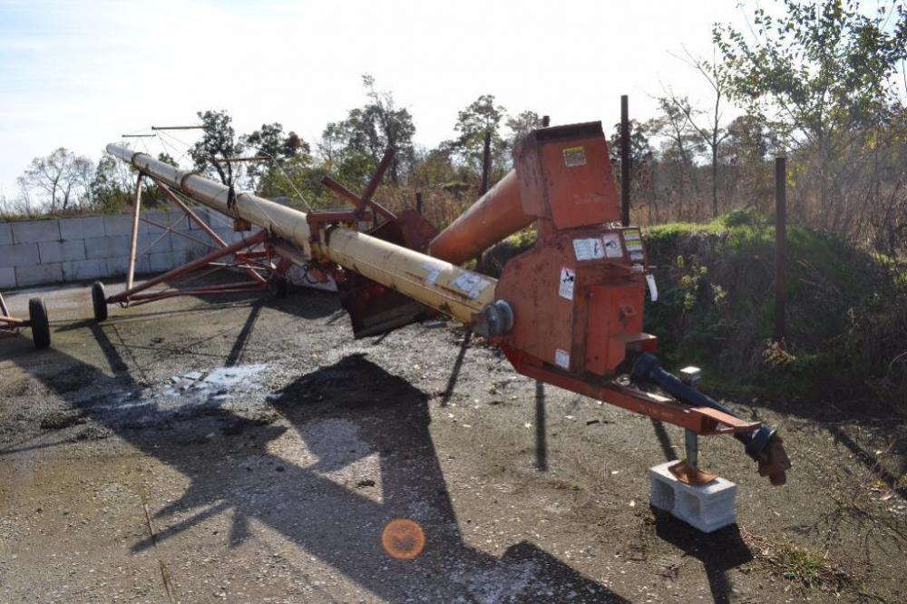 Westfield 130-71 grain auger with transport
