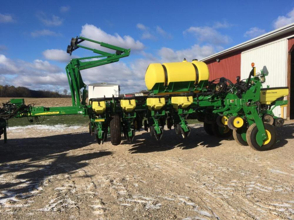 2016 John Deere 1775 Nt 12 Row Planter S N 1a01775wvfm765116