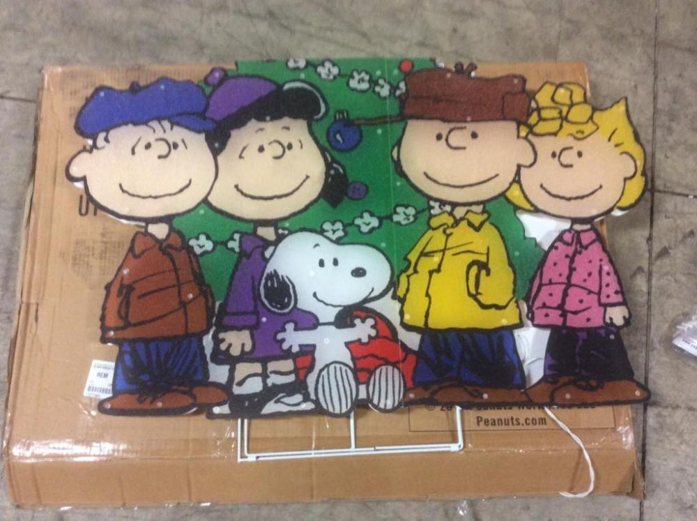lot 3435 of 638 charlie brown christmas decoration - Charlie Brown Christmas Decorations