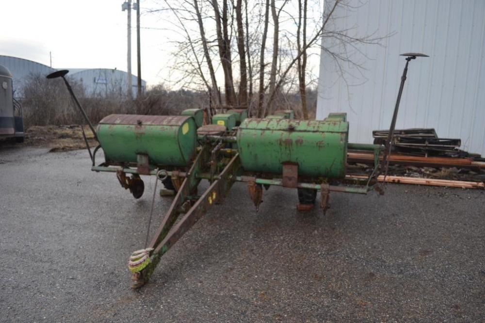John Deere 494a 4 Row Corn Planter