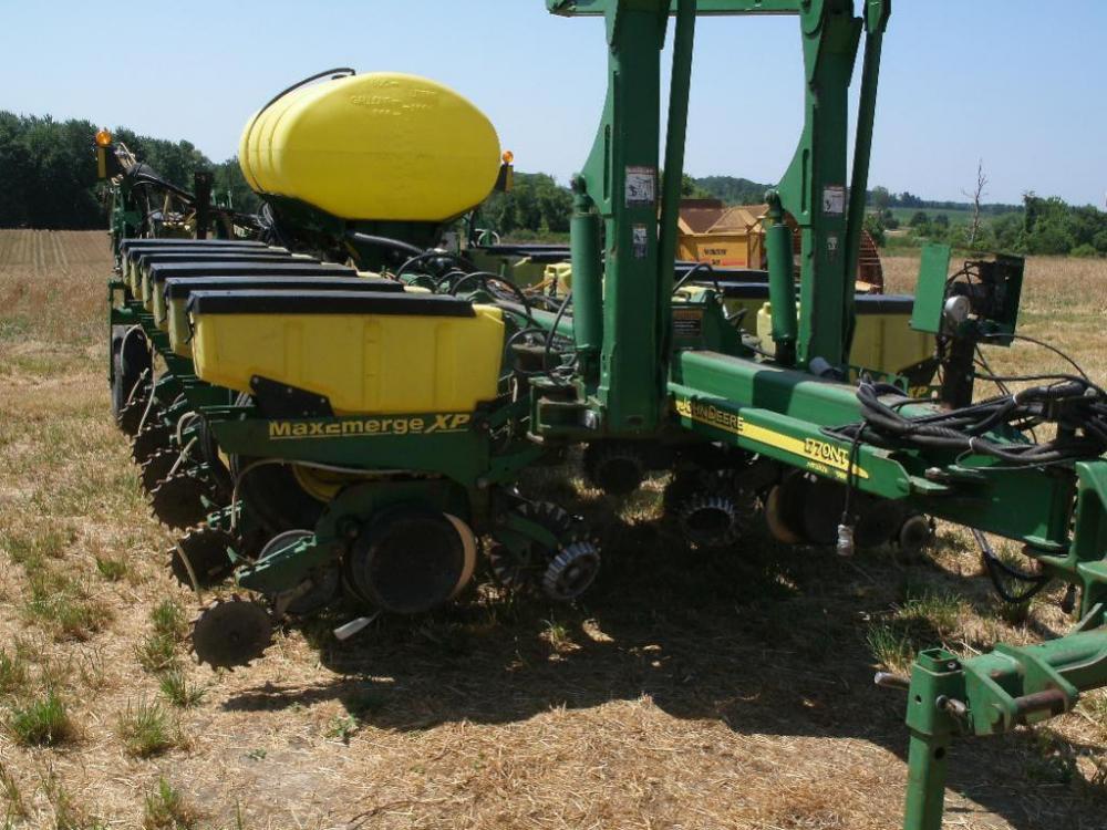 John Deere 1770 Nt Max Emerge Xp 16 Row Corn Planter